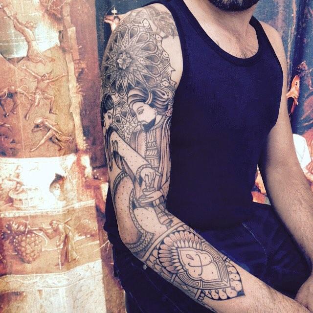 Merci David Alexandre ! Photo d'un autre angle . #carolinekarenine #tattoo #cover #purplesun @purple_sun_brussels