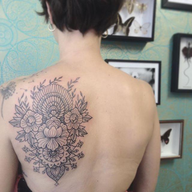 Merci Eugènie ! Done at @purple_sun_brussels . #carolinekarenine #purplesunbrussels #tattoo #bruxelles