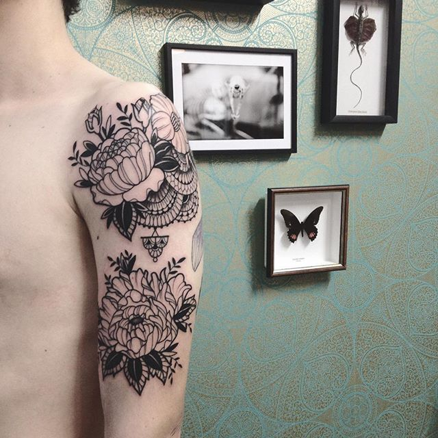 Merci Corentin ! Done at @purple_sun_brussels #purplesunbrussels #bruxelles #tattoo #carolinekarenine