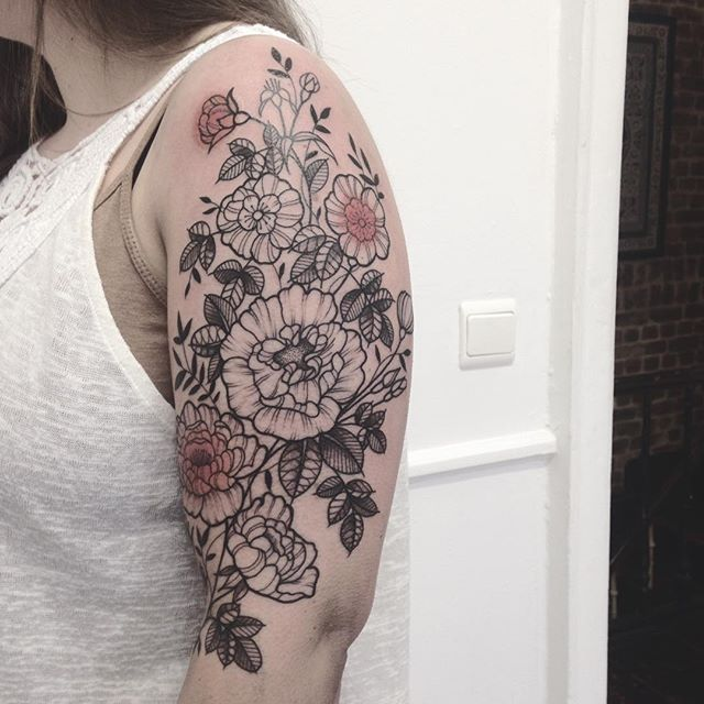 Merci Mathilde ! Done at @purple_sun_brussels #purplesunbrussels #tattoo #bruxelles #carolinekarenine