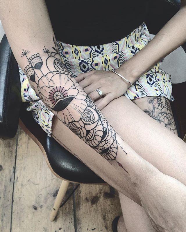 Merci Charlène !  @purple_sun_brussels  #purplesunbrussels #carolinekarenine #bruxelles #tattoo2me #tattoo