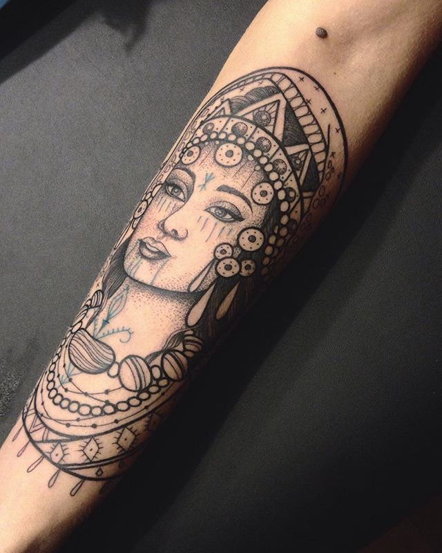 Merci sakina !  #paris #carolinekarenine #atelier #privé #tattoo