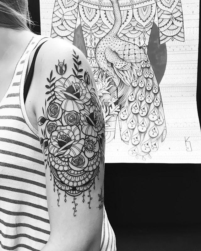 Merci Charlène !  #carolinekarenine #tattoo #dropinshoplausanne #suisse #conventiontattoo
