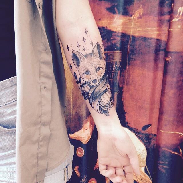 Merci Céline ! #carolinekarenine #tattoo #tribalact #fox