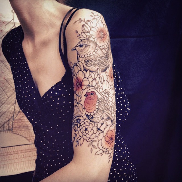 Merci Amandine ! First tattoo at Alchemy tattoo expo Conthey . #carolinekarenine #tattoo #convention #suisse #dropinshop