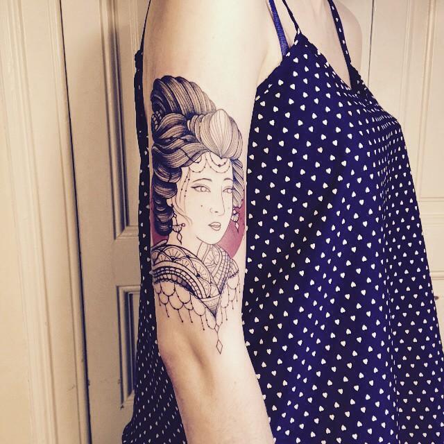 Merci Julie ! D'après le flash inspiration japonaise . #carolinekarenine #tattoo #ateliermetamorphose #Barcelone