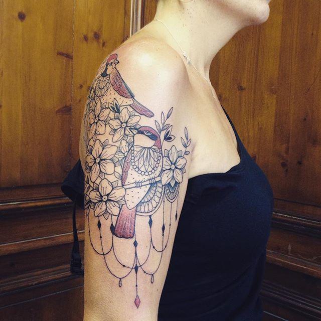 Merci Estelle ! Done at @purple_sun_brussels . #bruxelles #purplesunbrussels #carolinekarenine #tattoo