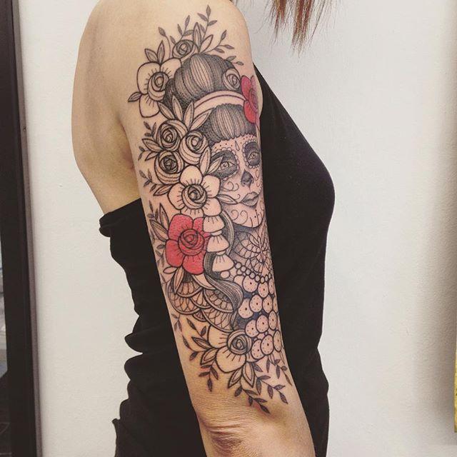 Merci Sandrine ! Done at @purple_sun_brussels #purplesunbrussels #bruxelles #carolinekarenine #tattoo