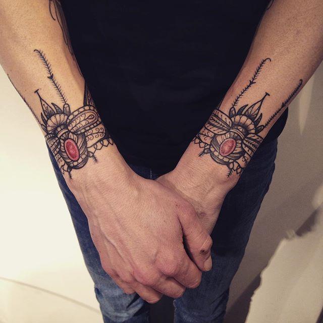 Merci Vincent ! Done at Warsaw tattoo days . #carolinekarenine #tattoo #conventiontattoo