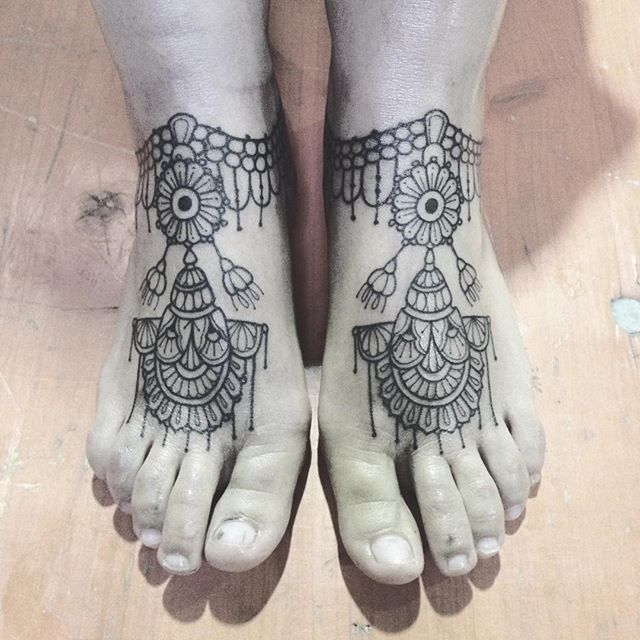 Merci Lucia ! Done at Luxembourg tattoo convention #tattooconvention #carolinekarenine #tattoo