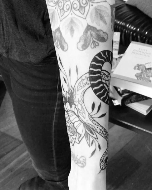 Merci Maelle !  #carolinekarenine #tattoo #paris