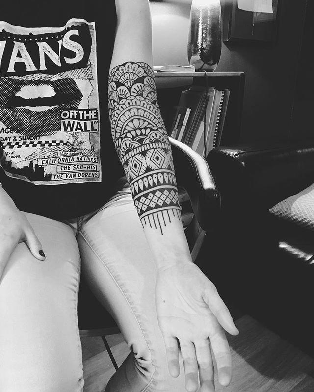 Merci Anne !  Work in progress.  #carolinekarenine #tattoo #paris