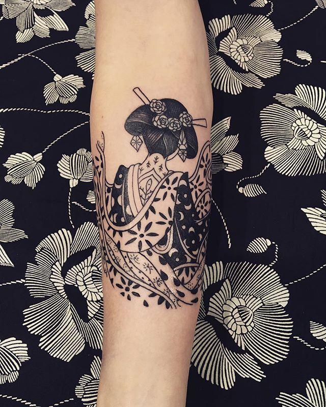 Merci Moreanne !  @montpellier_tattoo_convention  #tattoo #conventiontattoo #montpellier #carolinekarenine #