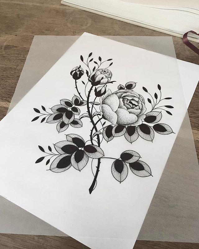 New project !  #carolinekarenine #tattoo #sweat #flowers